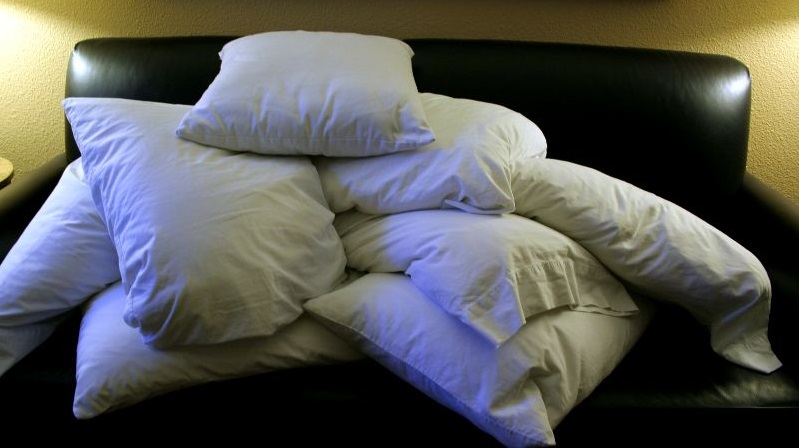 Pile_of_pillows